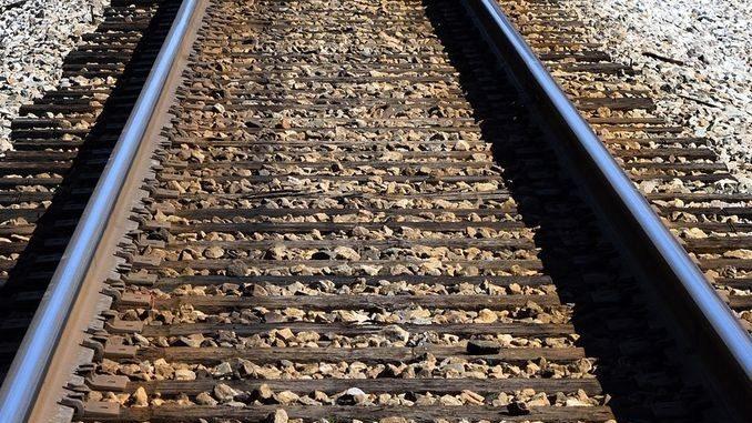 La Polfer blocca cinque ragazzi sui binari alla stazione di Cuneo