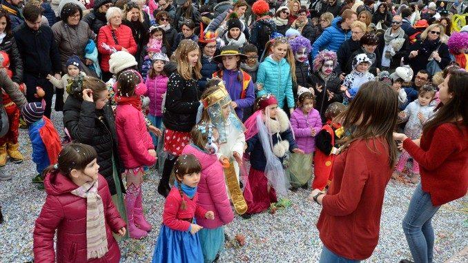 Tanto divertimento al Carnevale dei bambini di Mussotto. Ecco foto e video della festa 49