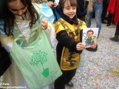 Tanto divertimento al Carnevale dei bambini di Mussotto. Ecco foto e video della festa 9