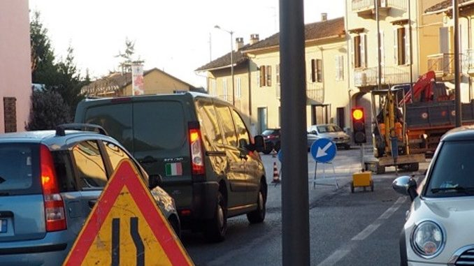 Tre giorni di senso unico alternato in via Bonissani a Ceresole 4