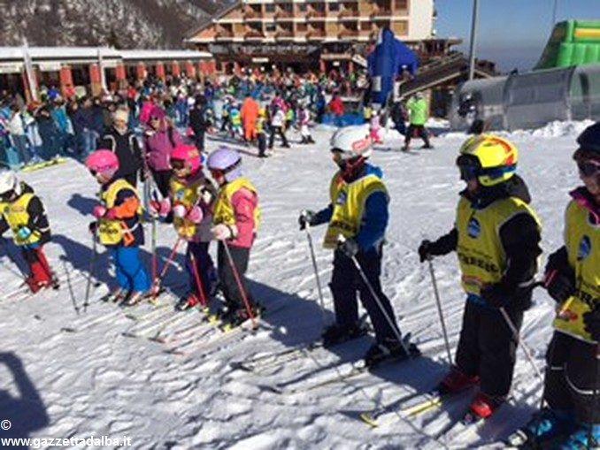 Oltre 200 persone ad Artesina per la Festa sulla neve della Ferrero