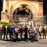 Al Santuario dei Piloni di Montà una folla di fedeli per la Via crucis