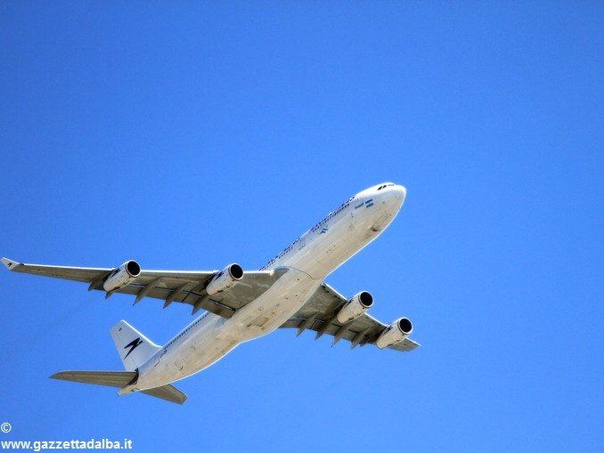 La Regione Piemonte imporrà una tassa sugli aerei