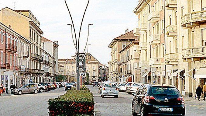 Corso Italia non vuole la pista ciclabile: meglio i parcheggi