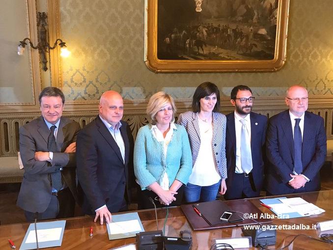 firma accordo a Torino
