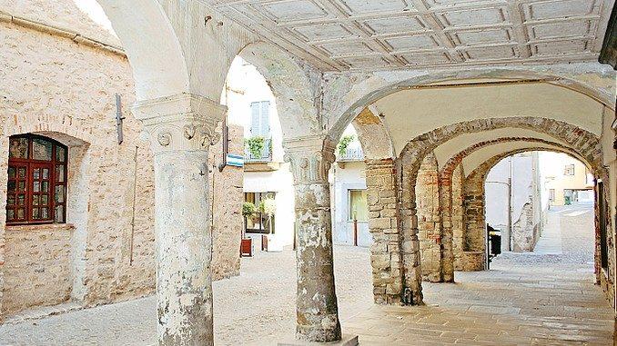 Intervento da 337mila euro per sistemare i portici del centro storico