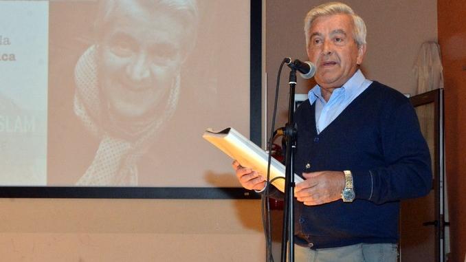 Romano Vola ha vinto l'Alba poetry slam. Ecco tutte le foto della tenzone poetica 6