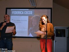 Romano Vola ha vinto l'Alba poetry slam. Ecco tutte le foto della tenzone poetica 1