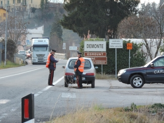 """Arrestato """"passeur"""" marocchino, chiedeva 500 euro a persona per un passaggio in Francia"""