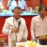 Lo chef Oldani presenta per Galup il panettone Milano pop con paletta di fico d'India candita