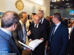 Salone del libro: la visita di Tajani, Chiamparino e Appendino allo stand Ferrero