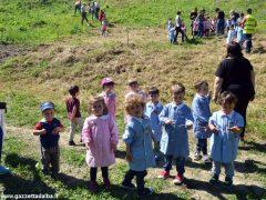 Dietro al Salone di Vezza nascerà un bosco, grazie ai bimbi e alla Regione 7