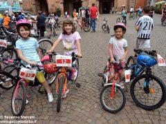 Alba in bici: la fotogallery 21