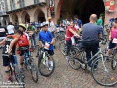 Alba in bici: la fotogallery 22