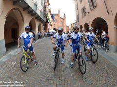 Alba in bici: la fotogallery 25