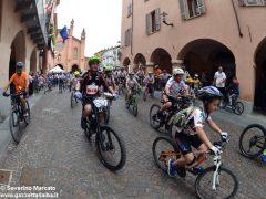 Alba in bici: la fotogallery 26