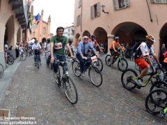 Alba in bici: la fotogallery 28