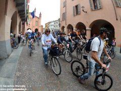 Alba in bici: la fotogallery 29