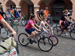 Alba in bici: la fotogallery 32