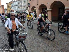 Alba in bici: la fotogallery 34