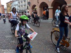 Alba in bici: la fotogallery 35