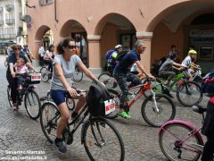 Alba in bici: la fotogallery 38