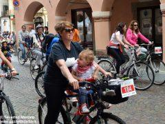 Alba in bici: la fotogallery 39