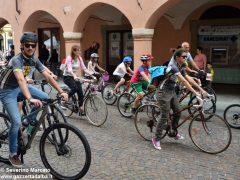 Alba in bici: la fotogallery 41