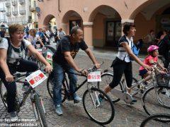 Alba in bici: la fotogallery 43