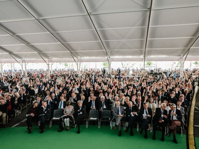 Record di presenze: 15.120 soci all'assemblea di Banca d'Alba 2