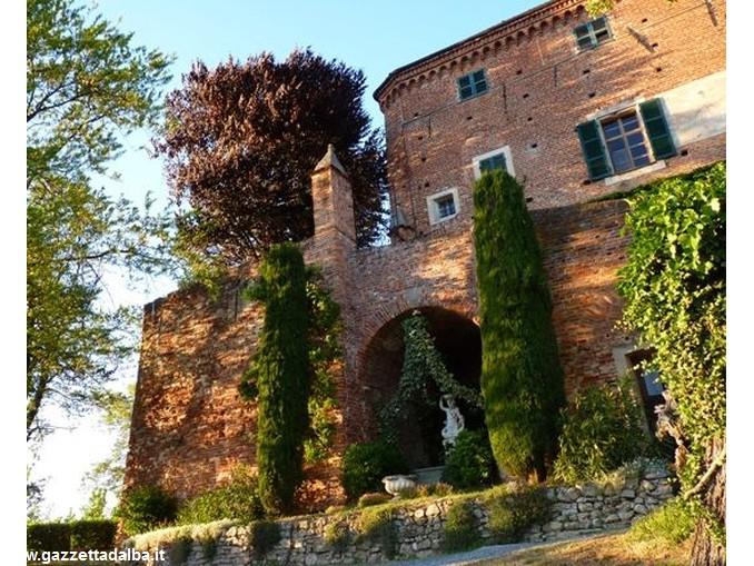 castello Monteu Roero 2