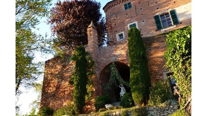 Note e parole al castello di Monteu Roero