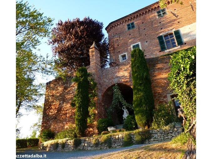 castello Monteu Roero