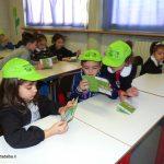 Ad Alba sei giovani profughi accompagnano i bambini del Pedibus