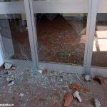 Dopo gli atti vandalici, c'è paura negli uffici del giudice di pace