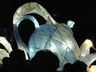 Ad Alba una sfilata di lanterne per Burattinarte e Arlecchino 1