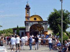 David Tremlett inaugura la cappella restaurata a Coazzolo. Ecco le foto 4