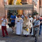 I fedeli di Alba alla processione del Corpus Domini: ecco le foto