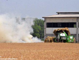 Oltre 1.200 quintali di fieno vanno in fumo in una cascina