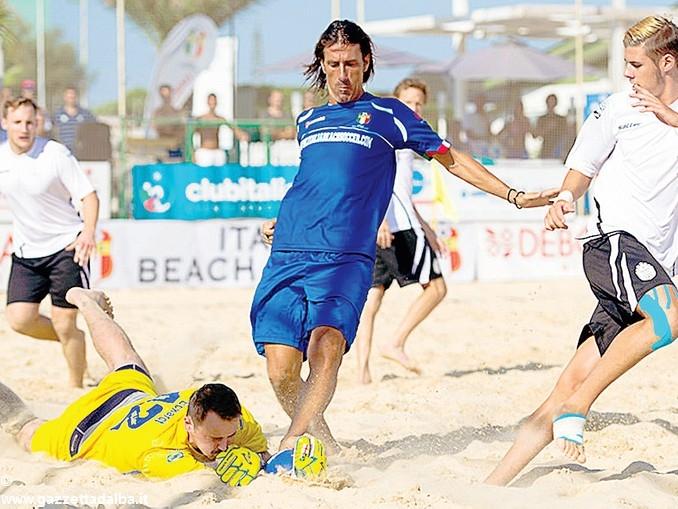 Sulla sabbia di Alba stanno arrivando gli azzurri del beach soccer 1