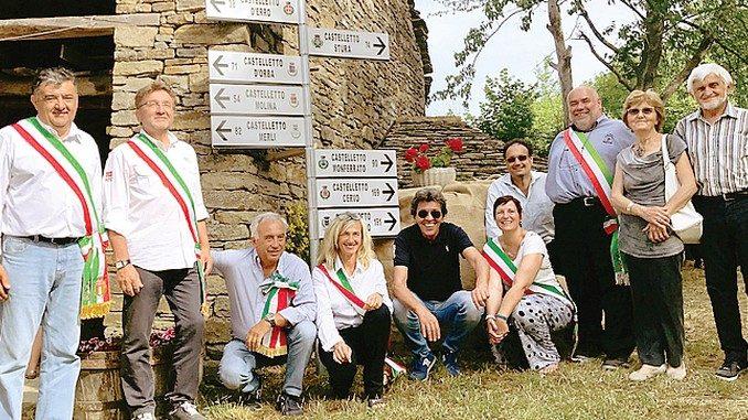 Una palina mostra le distanze tra i nove Castelletto piemontesi