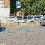 """Carlo Bo: """"Sosta in piazzale Giovannoni, ma non per i disabili"""""""