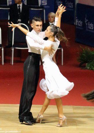 Danza sportiva: stagione in crescendo per gli atleti della scuola L'alba del ritmo