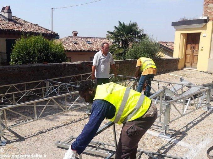 Dai profughi un aiuto ai cantonieri comunali di La Morra 1