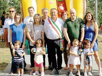 Sette bambini nati nel 2014 hanno ricevuto bottiglie in dono dal Comune
