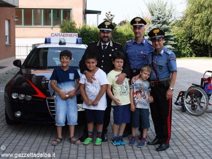 bambini visita carabinieri bra