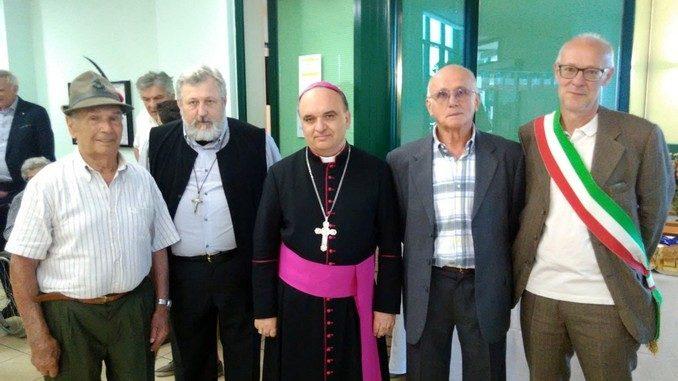 Il vescovo Marco Brunetti alla casa di riposo Divina Misericordia 3