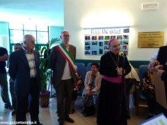 Il vescovo Marco Brunetti alla casa di riposo Divina Misericordia 5
