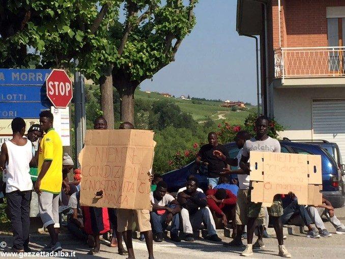 Otto immigrati sono al lavoro per il Comune di La Morra