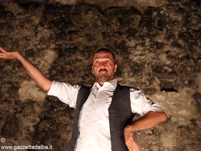 Venerdì 18 agosto il parco del castello di Coazzolo diventa luogo di narrazione e convivio